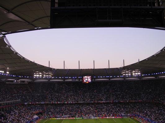 hamburg_stadium_sky.jpg